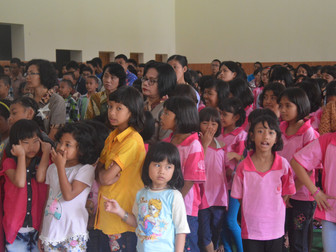 Celebrating the 62nd anniversary of Indonesian school