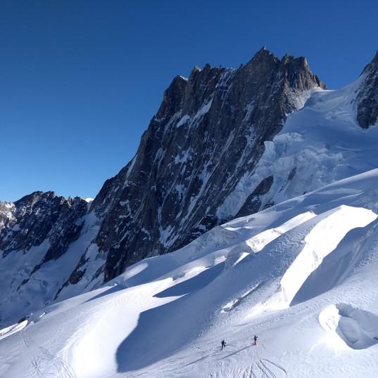 big glaciel terrain off piste skiing