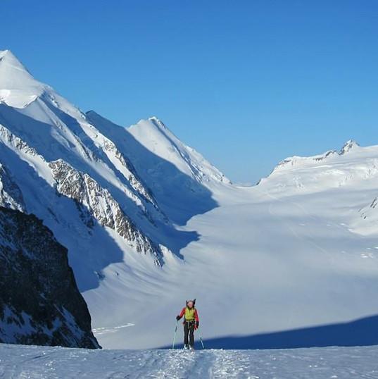 Ski mountaineering in the Bernese Oberland