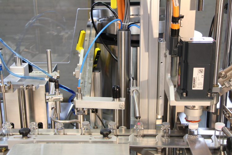 VERS 40 - VialFilling, Stoppering and Capping System