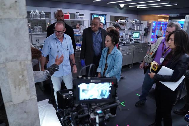 Clark Gregg directing Agents of S.H.I.E.L.D. s6
