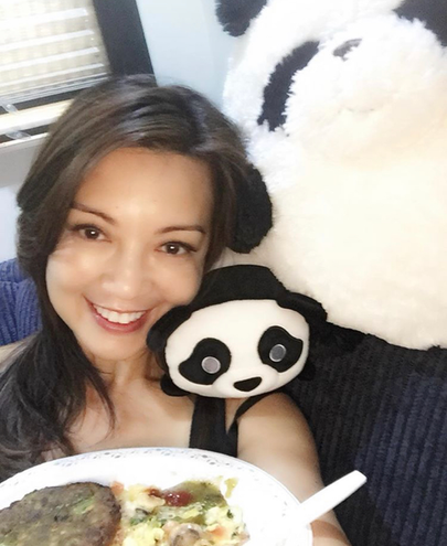 Ming-Na enjoying breakfast with her pandas