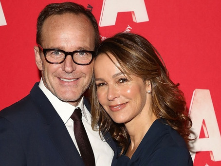 Clark Gregg w/ wife Jennifer Grey to attend 35th Anniversary Atlantic Theater Gala