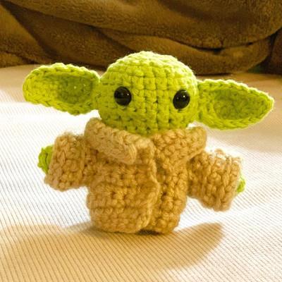 Amigurumi Baby Yoda handmade by Ming-Na