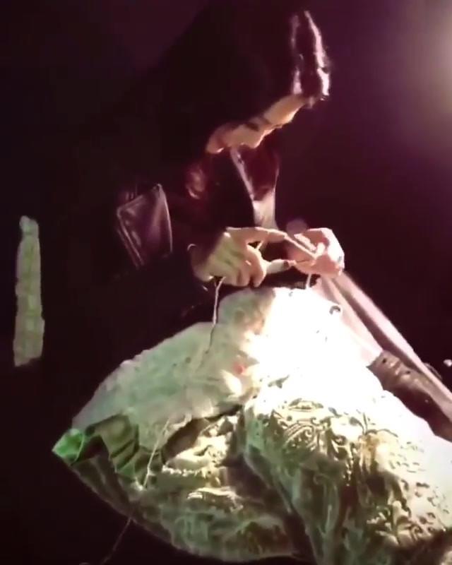 Ming-Na Crocheting on set of AOS