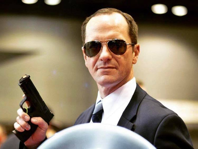 @Coulsonandkids as Phil Coulson