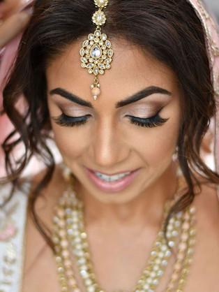 Shimmer and shine✨__#makeup #makeupartis