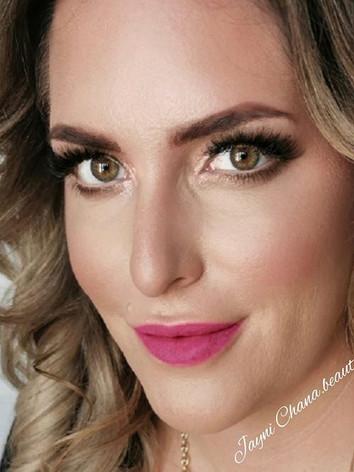 All that and a pink lip 👄__#makeup #mak
