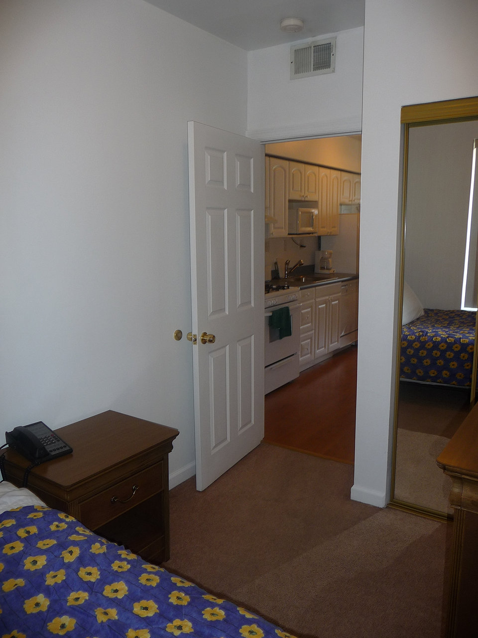 Available Apartments In Pittsburgh Oakland Shadyside And More Photos Of 3401 Forbes