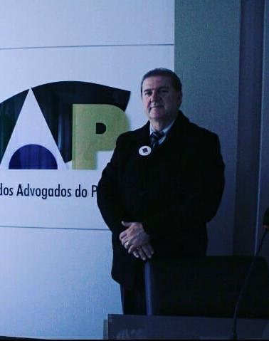 Dr. Vitor na sede do IAP.jpg