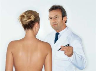 Cirurgia plástica ajuda a aumentar autoconfiança, diz pesquisa