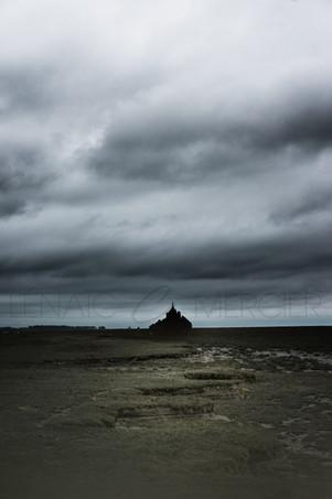 Dark Mount