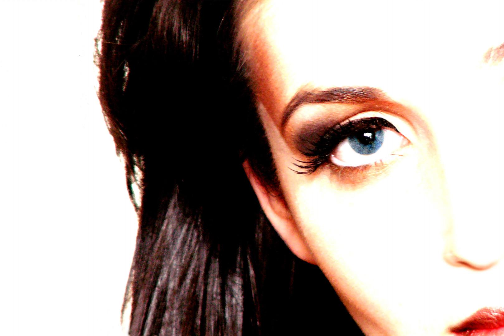 Make-up by J