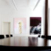 Regina Nieke @ PaulHartmann AG Bild re: Untitled(Der Spieler) 2010 Spray/ Öl auf Leinwand 150x100cm