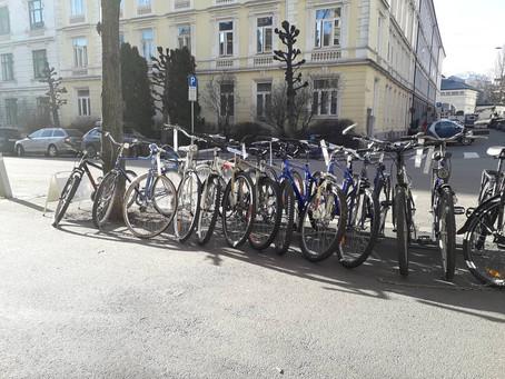 Behøver du en sykkel vi har flere klare til salgs.