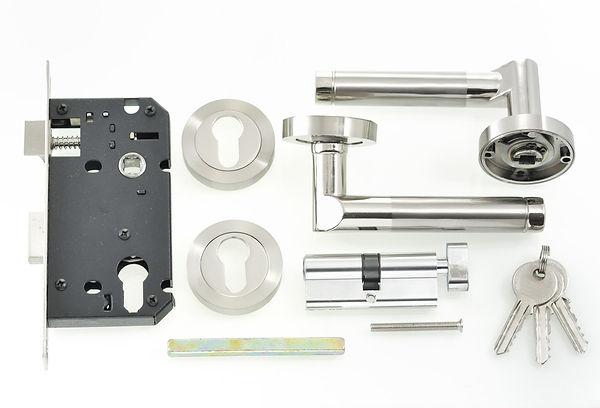locking-mechanism-on-windows.jpg