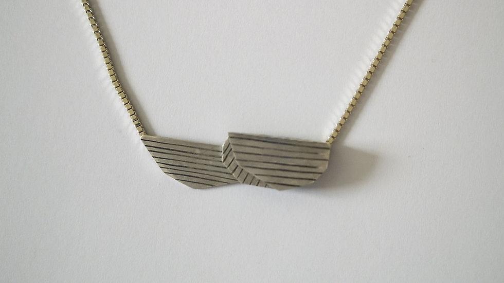 V&A Necklace 2
