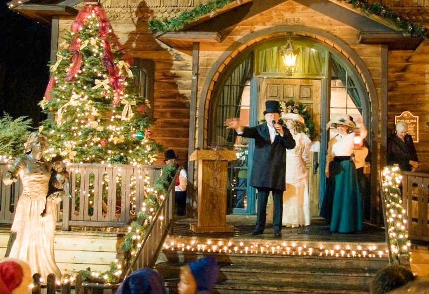 Christmas In The Park at Old Poway Park Santa Photos Mailbox Letters Best Top Holiday Christmas events activities list guide for families kids are still happening in San Diego December 2020 what to do this year