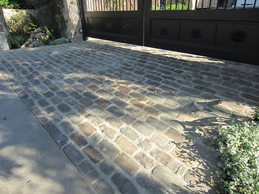 Antique-Bluestone-Cobble