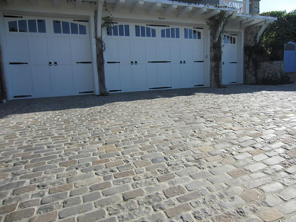 Antique-Bluestone-Cobble close up