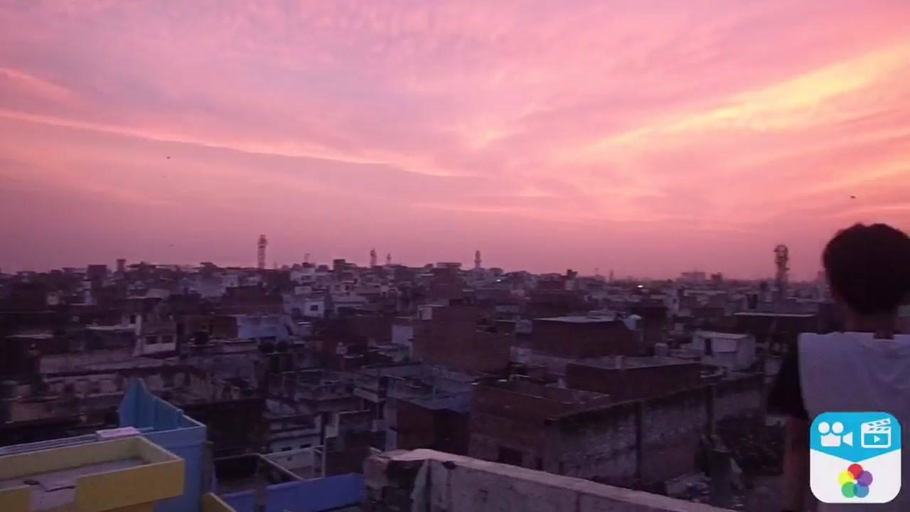 ルドラゲストハウスの宣伝ムービーを撮りました! 『ルドラゲストハウスは安心して楽しく過ごせる宿です‼️』 TAKE3 『遅い遅い‼︎』 #インド #バラナシ #屋上からの景色がオススメ #ゲストハウス #ルドラゲストハウス #インド日本人在住宿 #india #varanasi #guesthouse #rudraguesthouse
