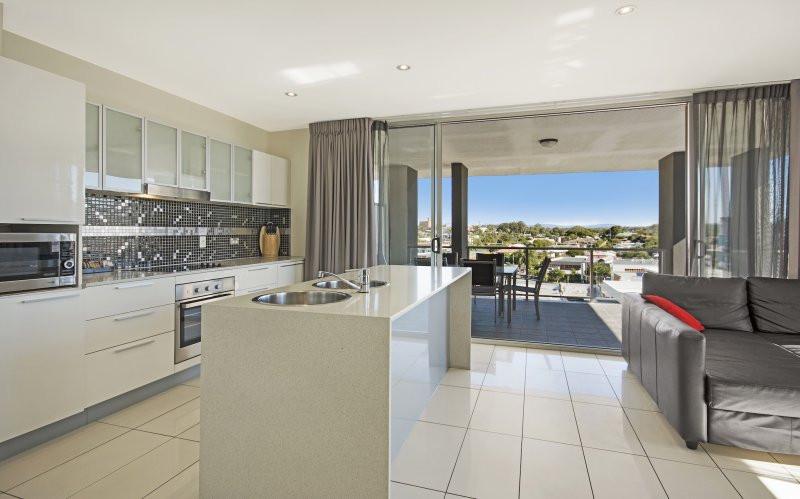 Hotel_kitchen.jpg