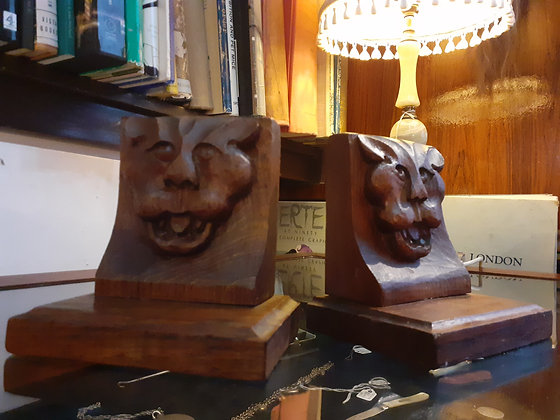 Arts and Crafts Oak Leopards Head Bookends