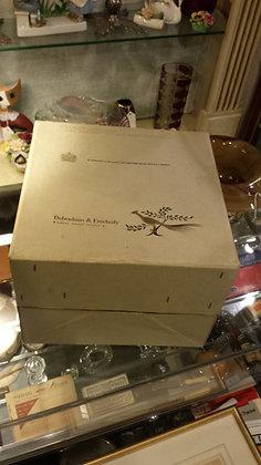 Vintage Debenham & Freebody Hat box 1