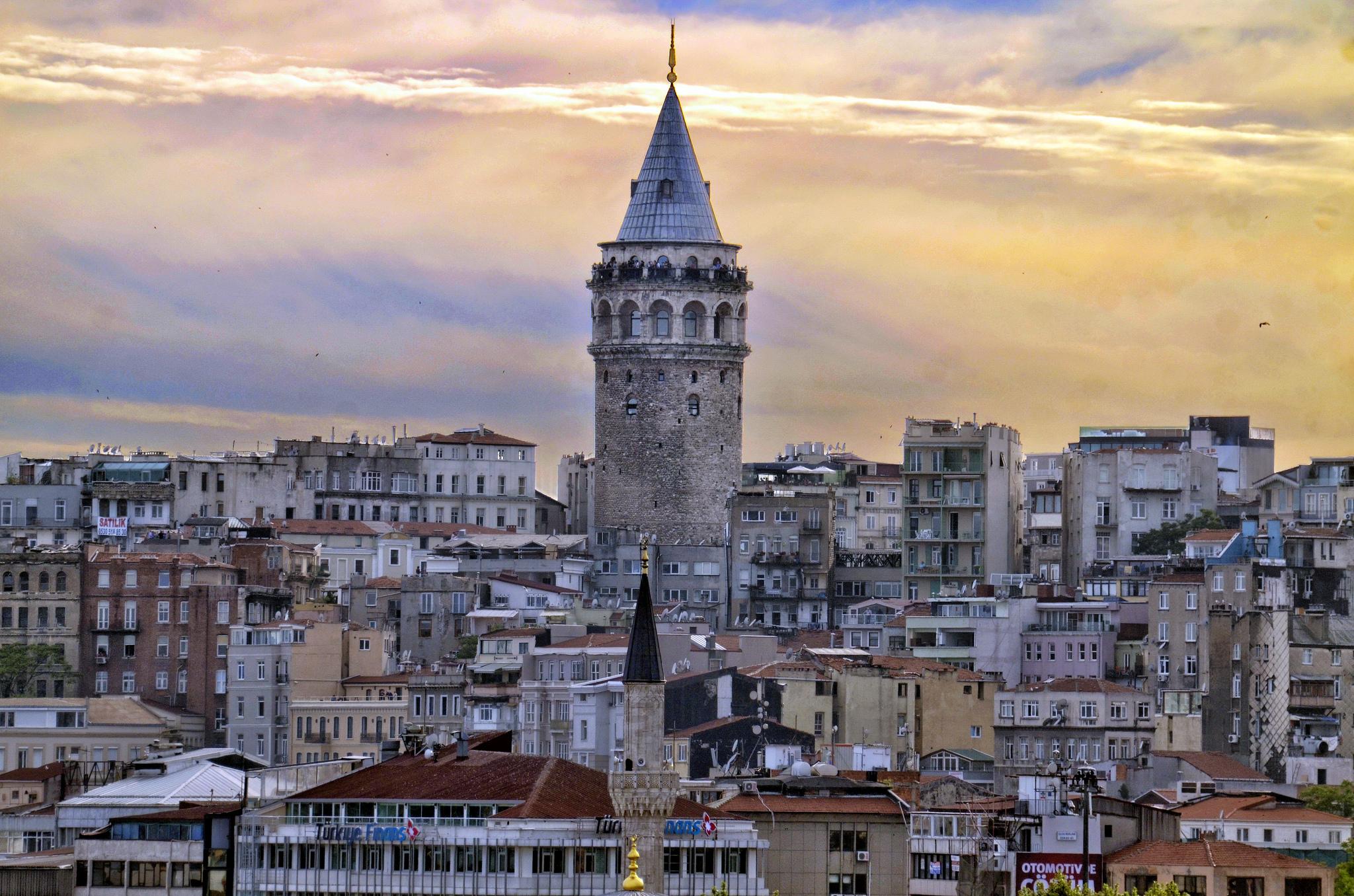 Galata-Kulesi-Osmanlı-dönemi-çeşitli-sebeplerle-1794-yılında-III.-Selim-dönemi-büyük-Galata-yangını-