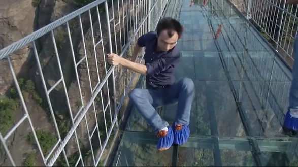 long-glass-bridge-dare.jpg