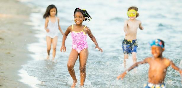 Cuidados com as crianças no verão.