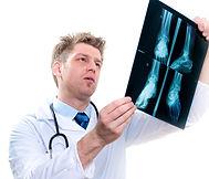clinica, clínica, saint germain, itapema, meia praia, ortopedia, osso, raio x, fratura, osteoporose, artrose, reumatismo,