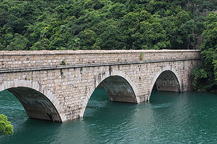Tai Tam Tuk Reservoir Stone Bridge.jpg