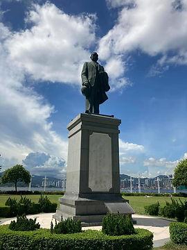 Sheung Wan_Statue of Dr Sun Yat Sen_Jess