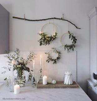 12 Christmas Wall Decor Ideas