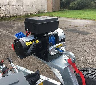 Electric Winch & Box (2500kg)