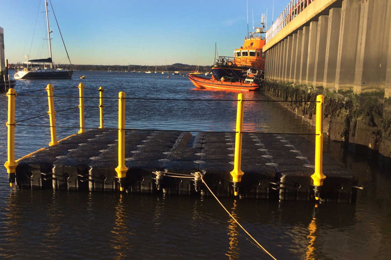 P&D3 CUBE PONTOON RNLI DRIVE ON