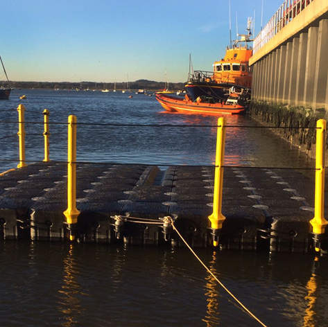 Pontoon Boat Lift