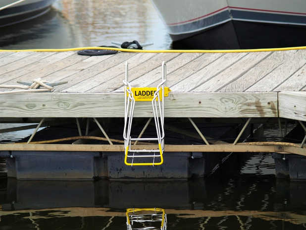 UP-N-OUT DOCK SAFETY LADDER