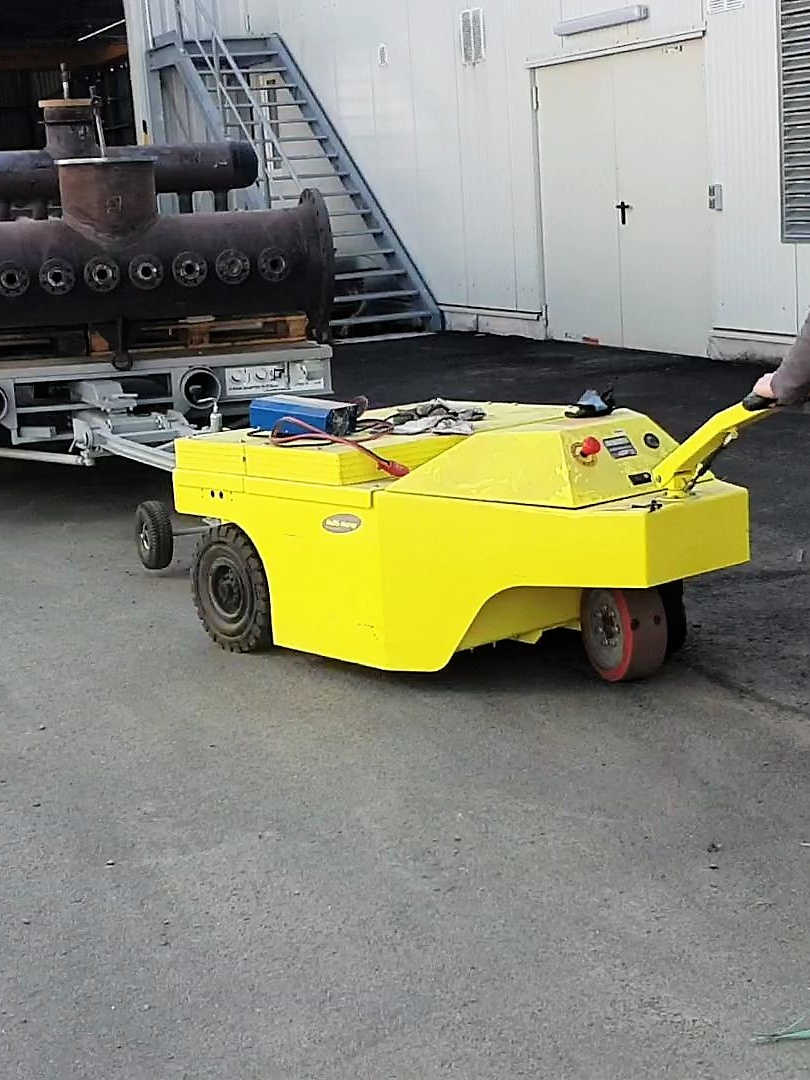 Multi-Mover 3XL30T Towing Unit