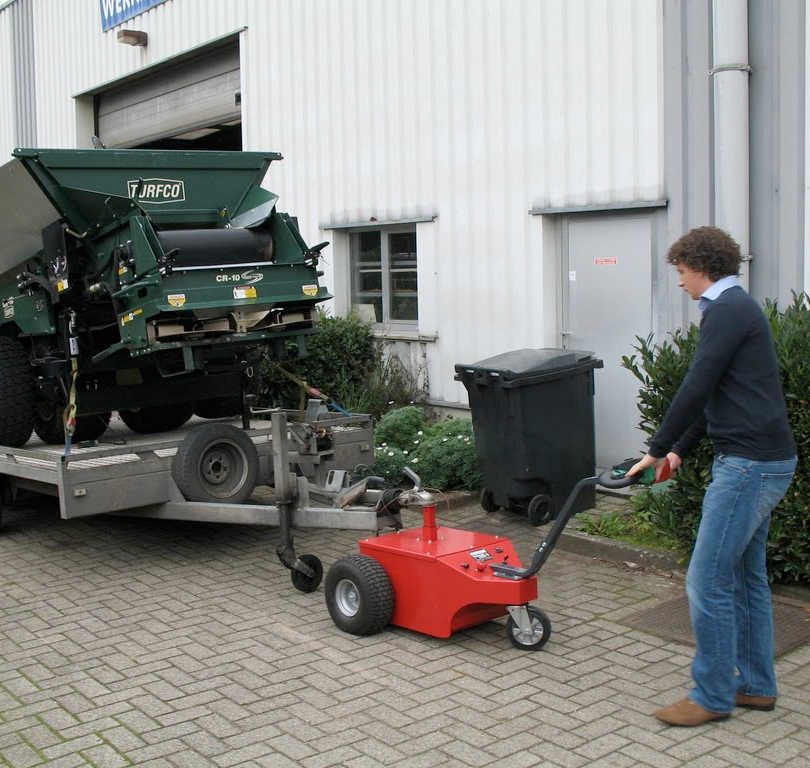 Multi-Mover XL50 Towing Large Trailer