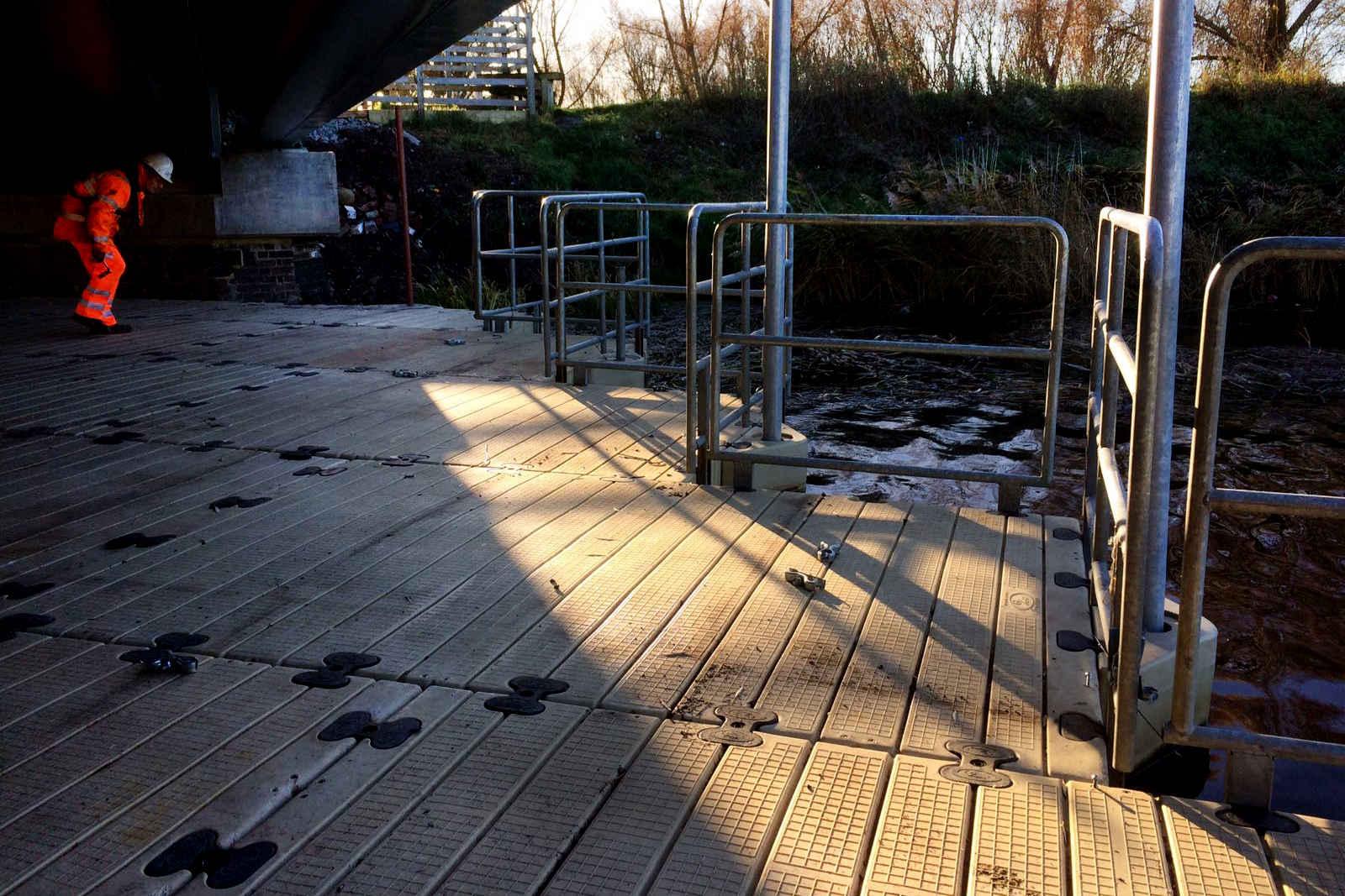 COMMERCIAL PONTOON HIRE BRIDGE REPAIR