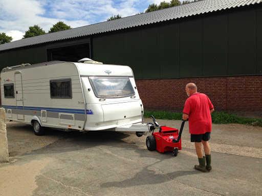 Multi-Mover XL35 Towing Caravan