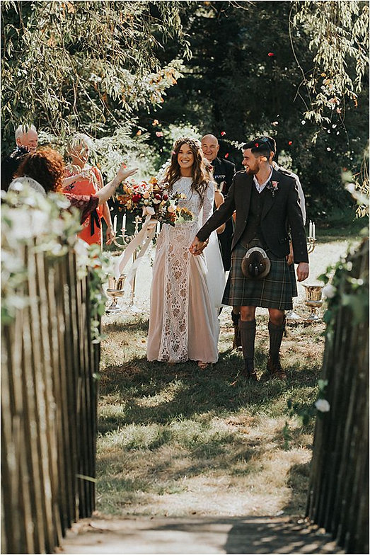 Newly-weds-at-Scottish-wedding-in-France
