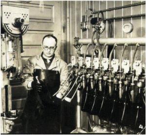 1920s-Bottling-Line1-300x278.jpg