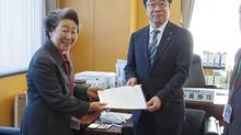 加藤少子化対策特命大臣に提言を提出 月曜セミナーは結婚紹介サービスの出来ること!
