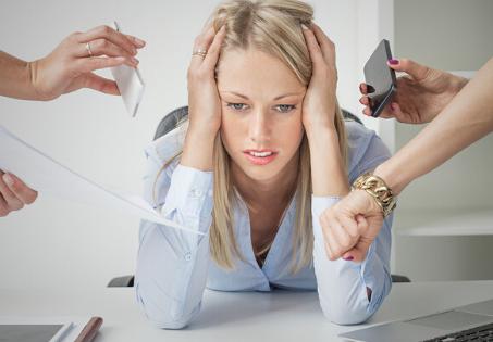 """Acúmulo de tarefas? É normal nessa época! Mas algumas dicas podem tornar o caos mais """"organizado""""."""