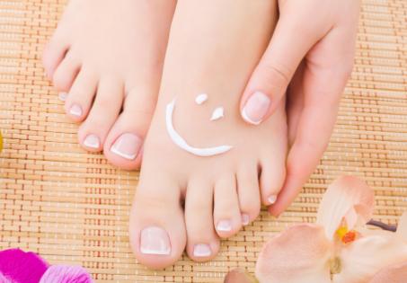 Automassagem nos pés, um alívio para todo o corpo...