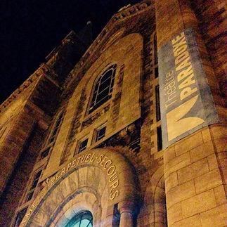 Façade du #theatreparadoxe by night