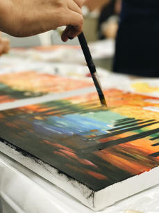 Running out of gift ideas?  How about an experience instead of things, A painting will serve as a beautiful momento :)